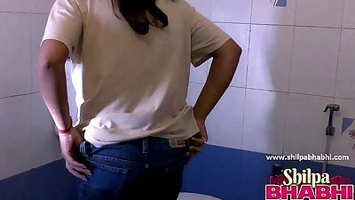 Gorgeous indian wife shilpa bhabhi hot shower - shilpabhabhi.com