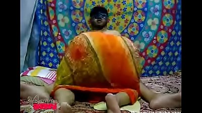 Watch till the end. my indian aunt has the biggest ass and shows ait whikle sucking my cock